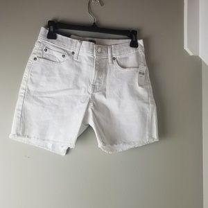"""Gap 5"""" Shorts"""